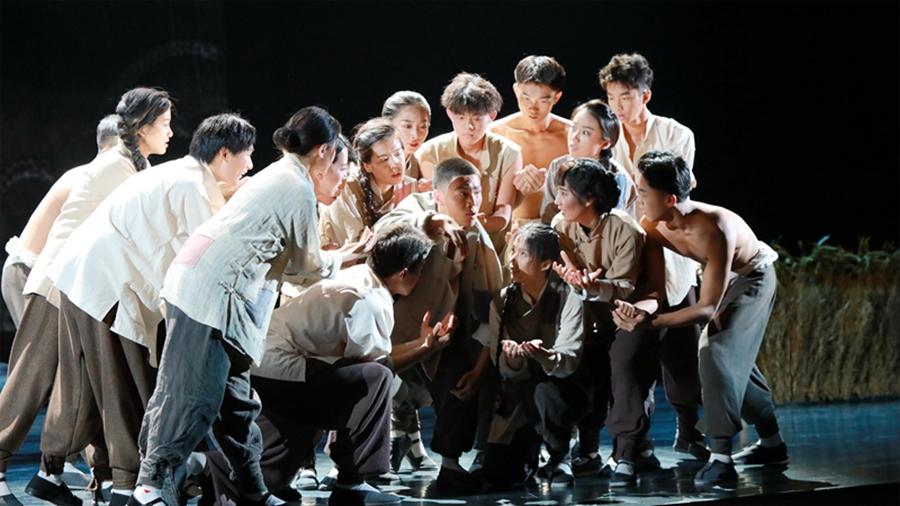 红色舞台剧《星火》在山东青年政治学院首演