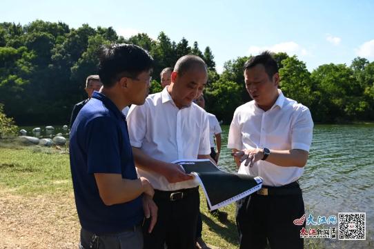鄱阳县委书记周金明赴这两地调研水源地保护和项目建设等工作