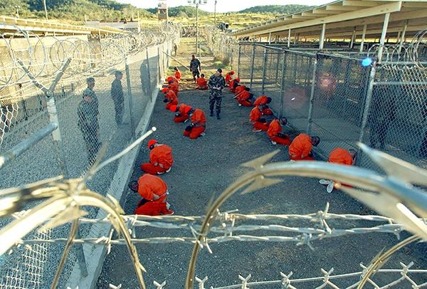 美国记者披露:特朗普曾考虑将新冠患者送入关塔那摩拘留营