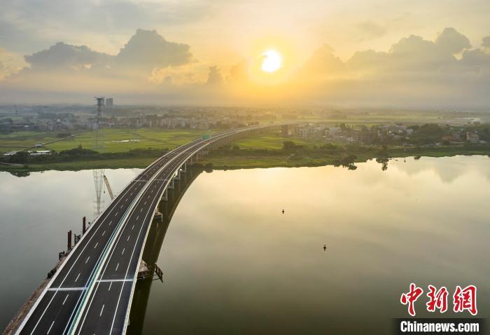 广东汕湛高速吴川支线将通车 促进粤西新空港辐射周边城市