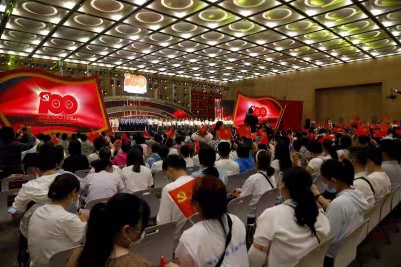 歌声响彻苏州河畔,普陀区举行庆祝中国共产党成立100周年歌咏大赛展演