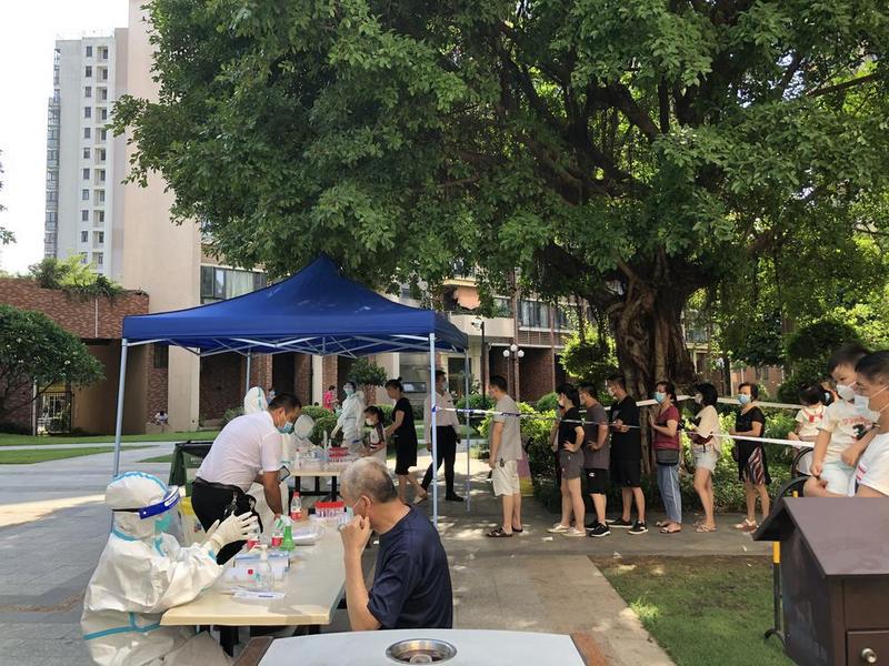 东莞百悦尚城住户响应只买必需品,南城区把水果蔬菜安排上了!