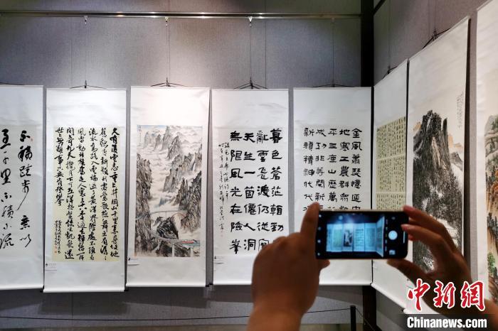 百余幅皖港澳侨界书画家作品在皖展出 促三地文化交流