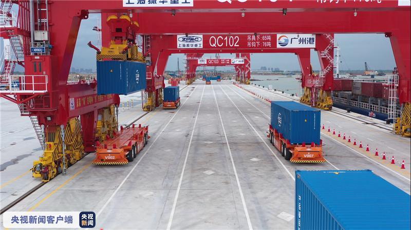 粤港澳大湾区首个全自动化码头全流程实船作业