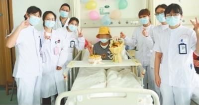 乳腺癌患者8年来第一次过生日