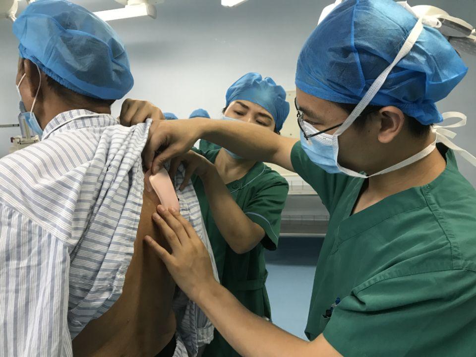 护士一个小举动,暖了患者和家属的心