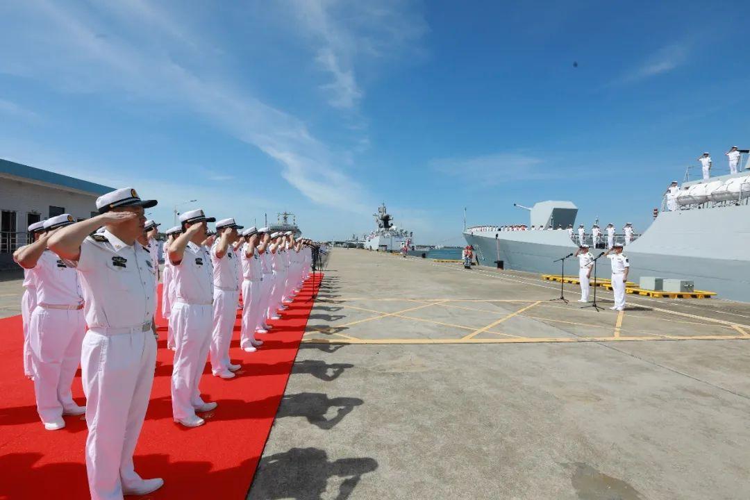 历时165天航程9万余海里,中国海军第37批护航编队凯旋