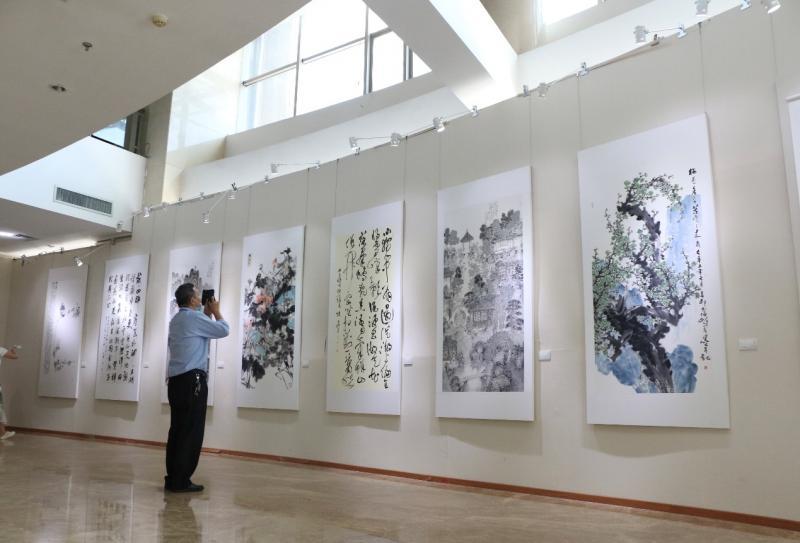 30米长卷描画《太湖春秋》 中国书画之乡苏州胥口书画展举行