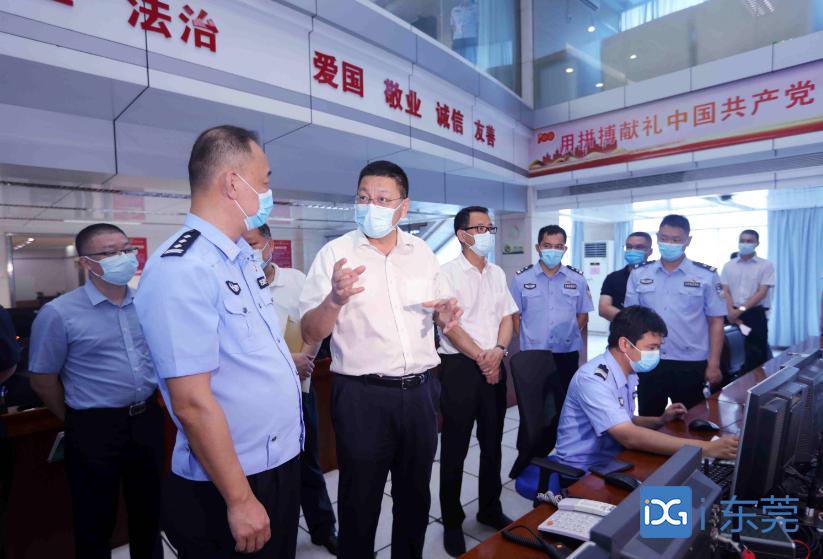 白涛督导检查高考保密和安保工作