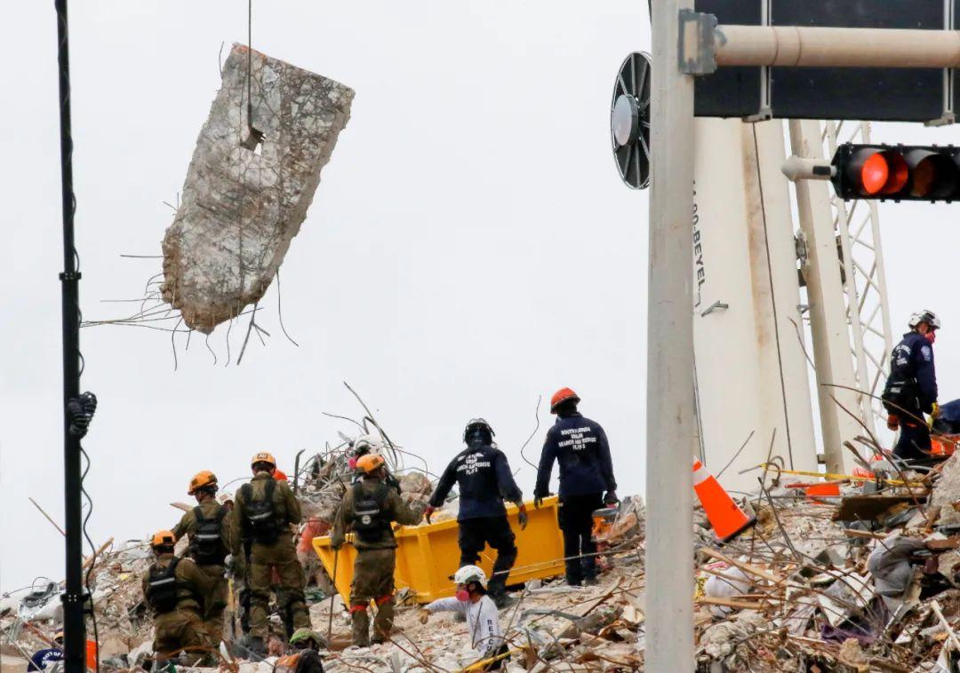 美国迈阿密大楼倒塌事故搜救队员确诊新冠肺炎
