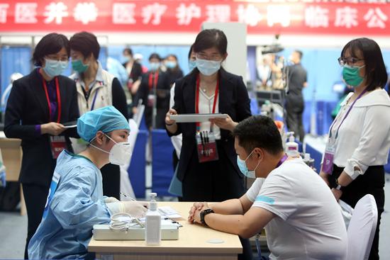 第十届中国大学生医学技术技能大赛全国总决赛现场。刘东岳/摄