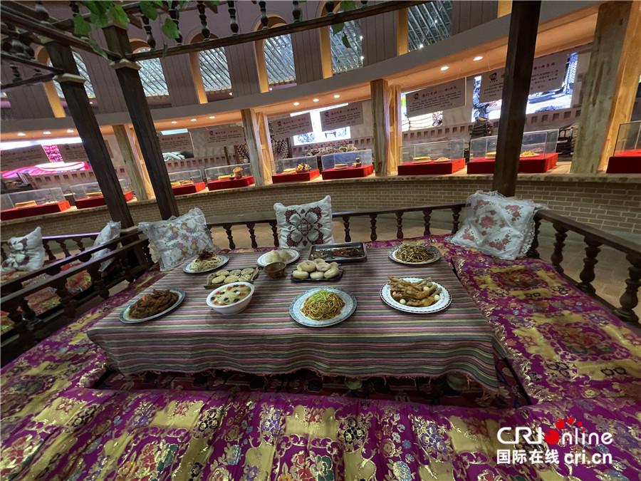 【外籍记者新疆行】馕——新疆饮食文化之魂