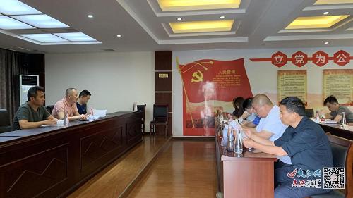 青山湖区城管局:店招备案下放 服务更加便民(图)