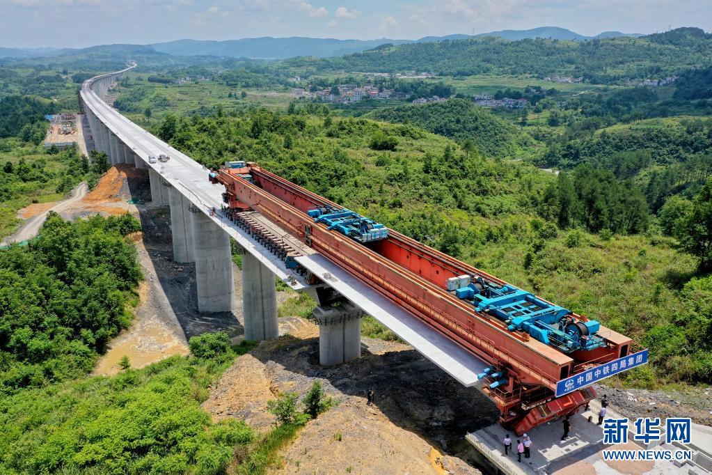 高铁与古桥——跨越世纪的相遇【组图】