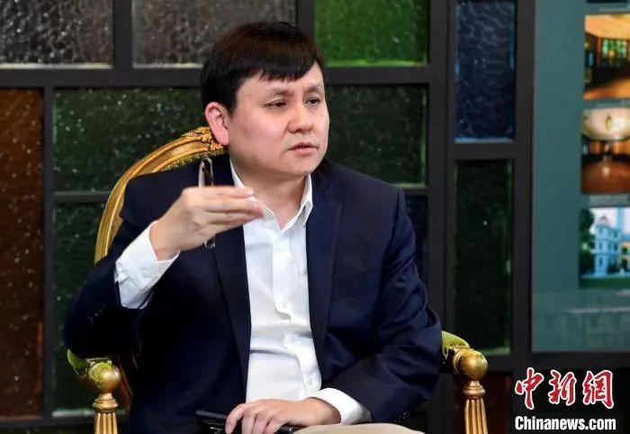 资料图:张文宏接受媒体采访。杨浦东 摄