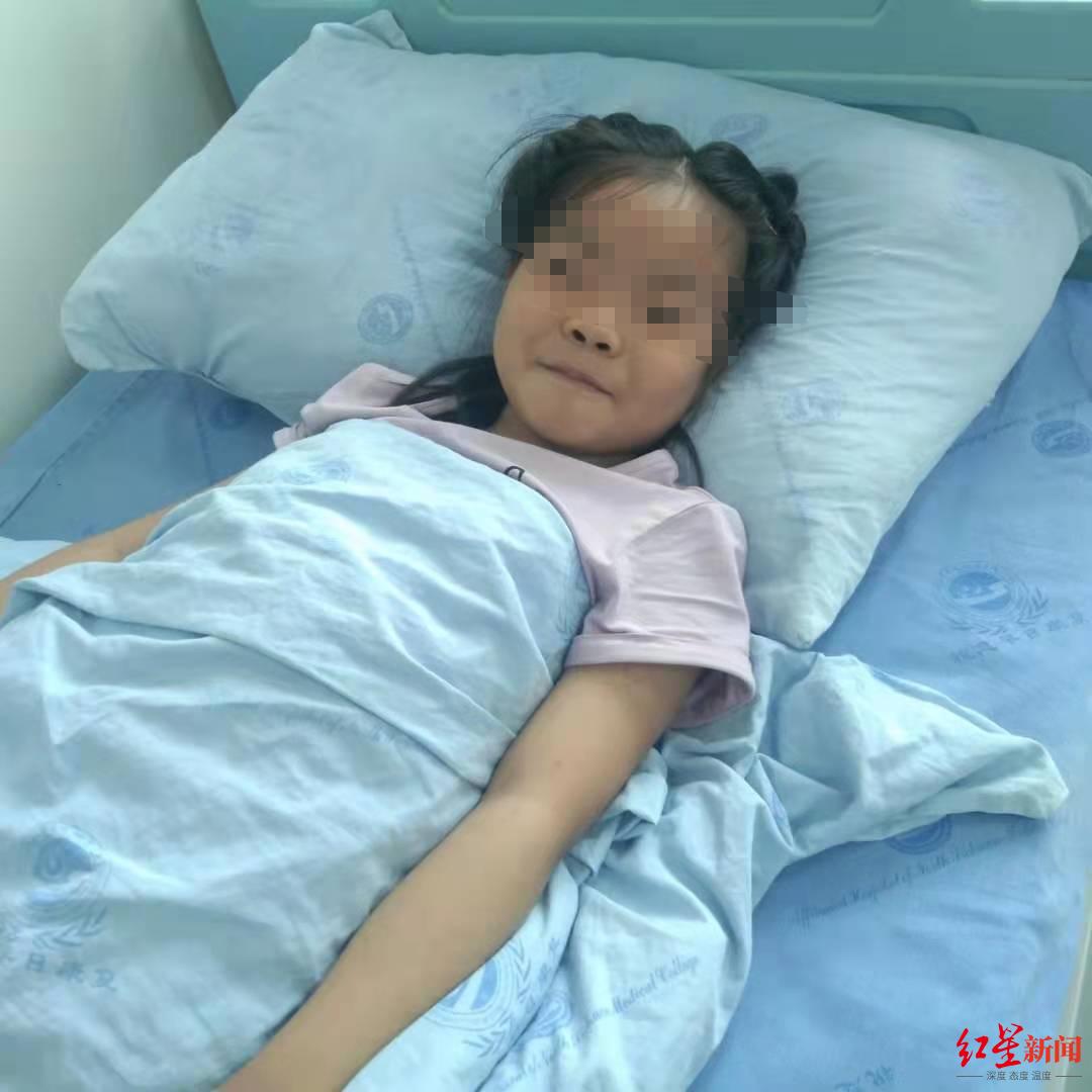 7岁女孩患再生障碍性贫血,与哥哥配型成功 父亲:没照顾好女儿,愧对妻子临终嘱托