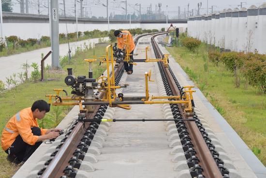 中国铁路上海局集团公司阜阳工务段举办技能对抗赛