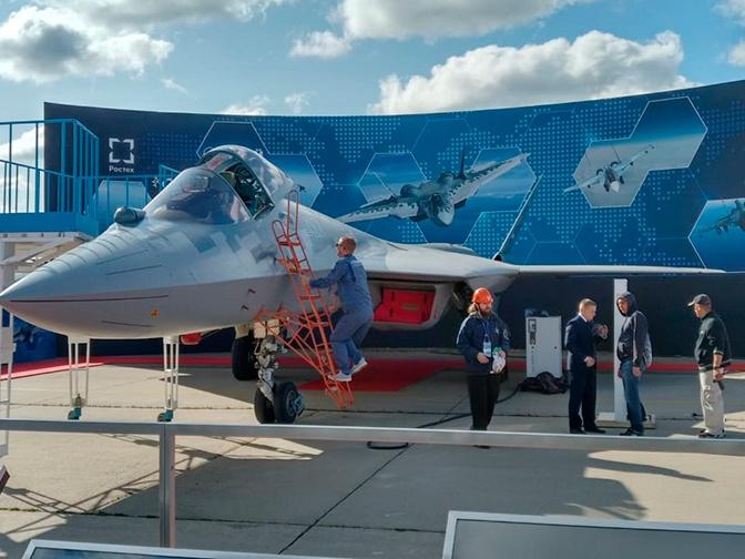 进行静态展示的苏-57战斗机,图源:红星电视台