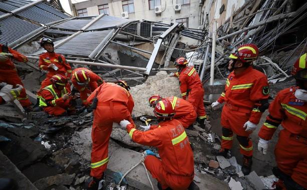 吴江塌楼事故原因初步认定 房屋安全底线谁来守?