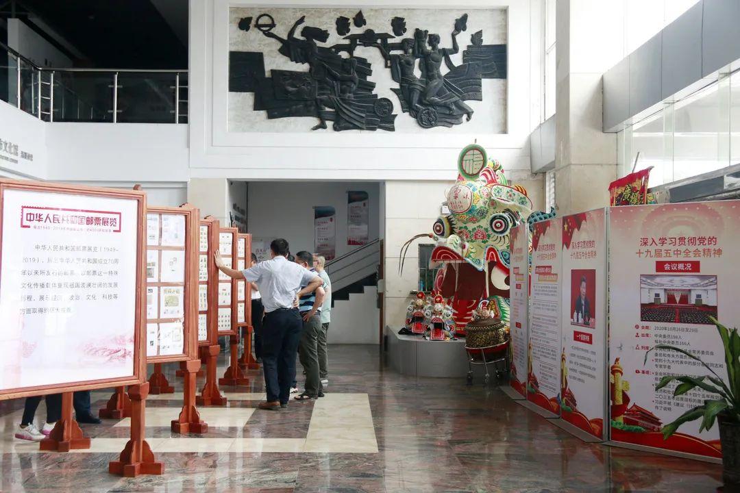 """中国邮政""""光辉历程""""专题集邮展览活动走进清溪"""