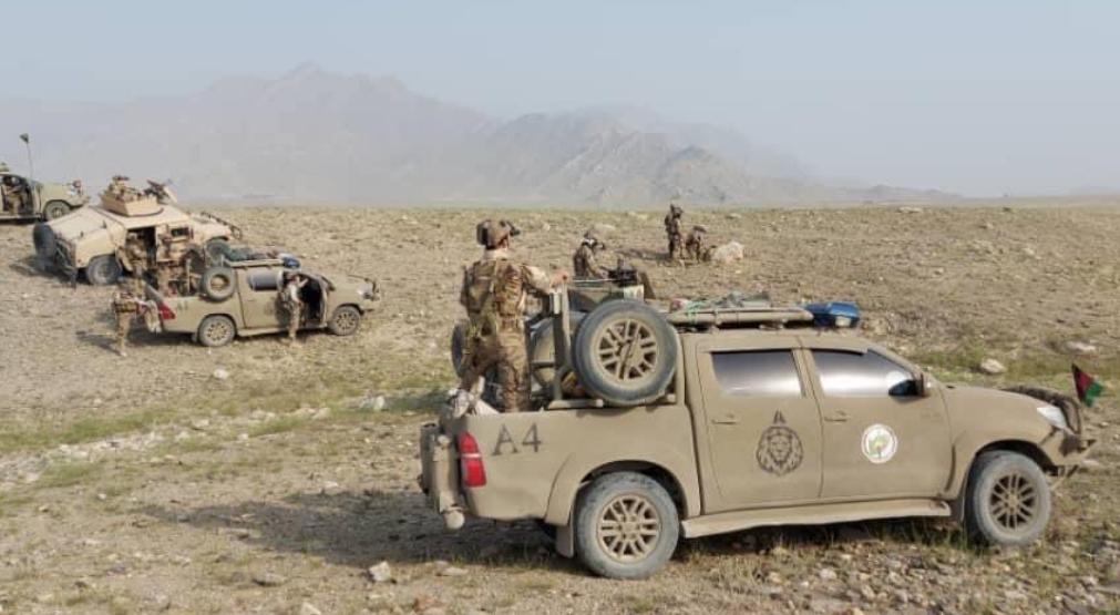 与塔利班武装作战的阿富汗国家安全部队(图自推特)