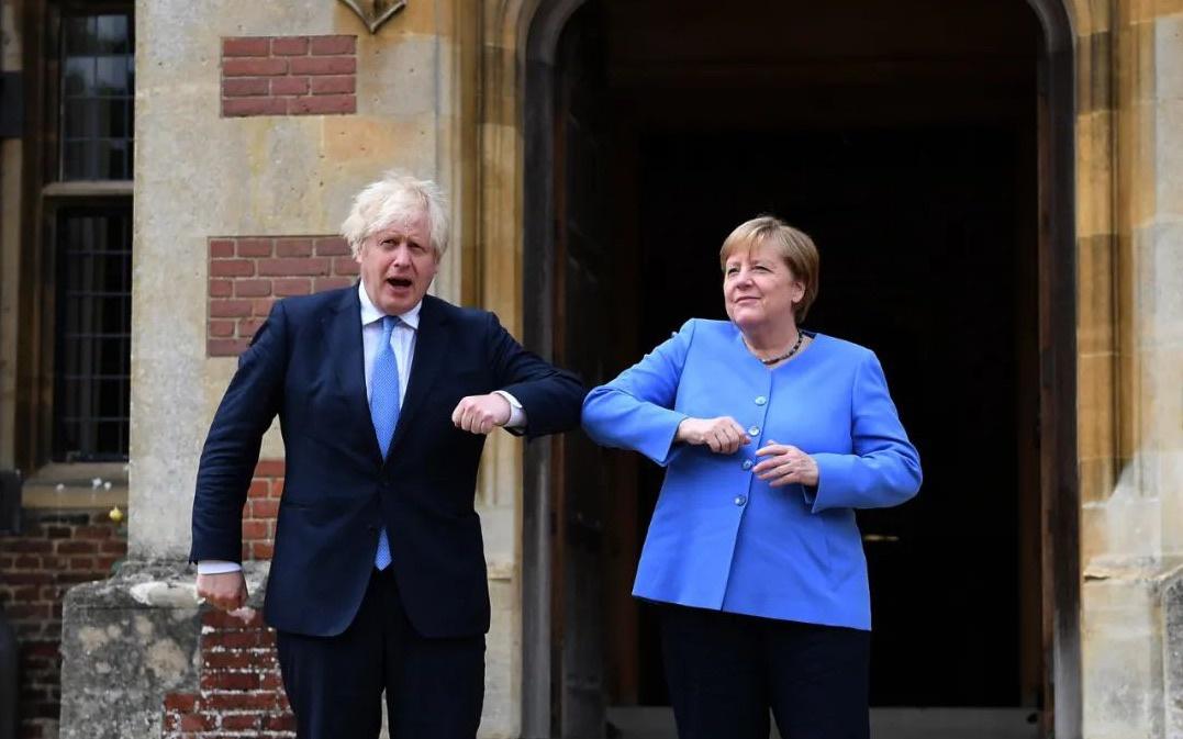 16年执政生涯即将迎来终结 铁娘子离任前再赴英国