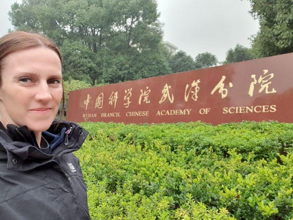 丹妮尔·安德森2019年曾在武汉工作。(彭博新闻社网站)