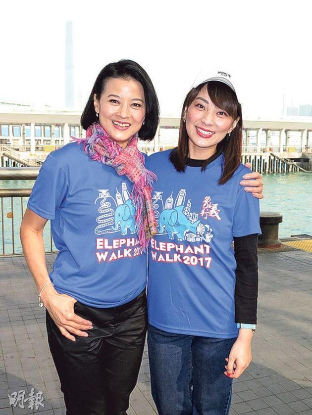 黎燕珊(左)昨天(12月9日)与女儿刘咏诗(右)出席慈善步行。