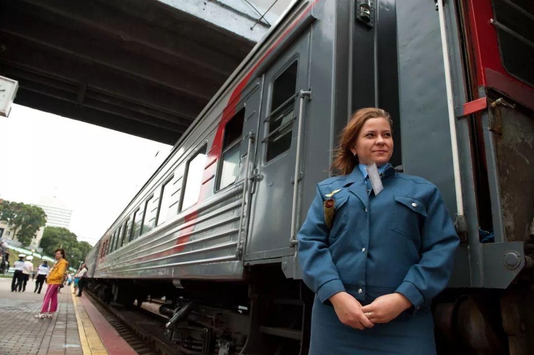 全长9288公里的俄罗斯西伯利亚大铁路以符拉迪沃斯托克为起点一路西进莫斯科