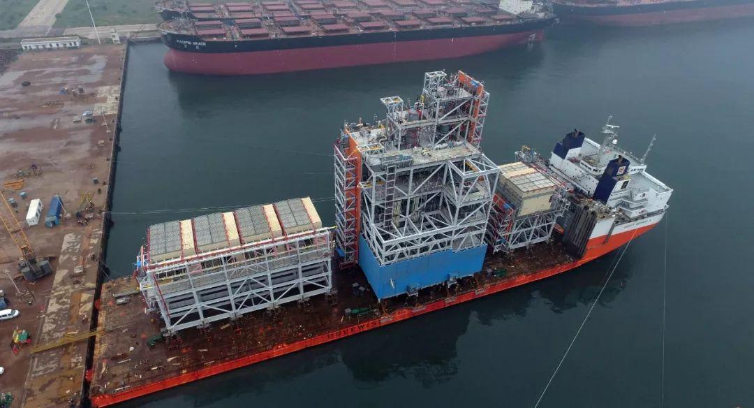 2016年7月26日中国制造的钻井平台核心模块运往俄罗斯亚马尔液化天然气(LNG)气田