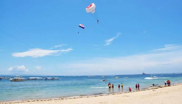 据白努亚港海滩水上运动网