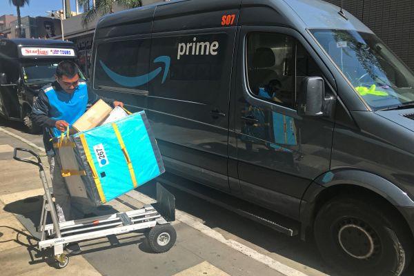 亞馬遜鼓勵員工離職搞快遞 提供訂單和配送技術支持