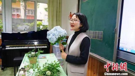 音乐界伯乐陈莹教授因病去世,超女纪丹迪发文悼恩师