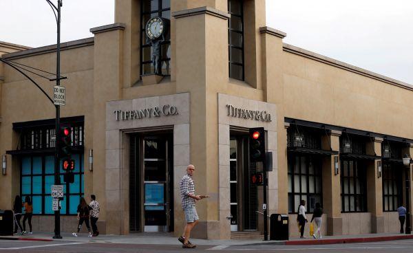 原料图片:美国添利福尼亚州的一家蒂芙尼门店。(路透社)