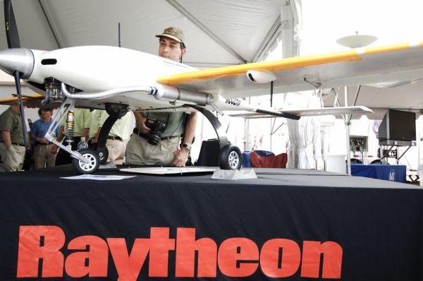 资料图:雷神公司展出无人驾驶飞行器