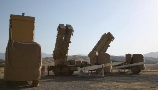 """伊朗9日公布了新的自主设计的""""霍尔达德-15""""防空导弹系统。"""