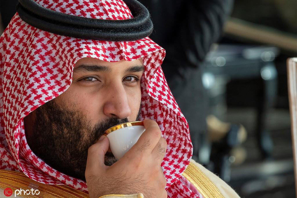 2018年12月23日,沙特王储本·萨勒曼现身费萨尔国王空军基地(图源:东方ic)