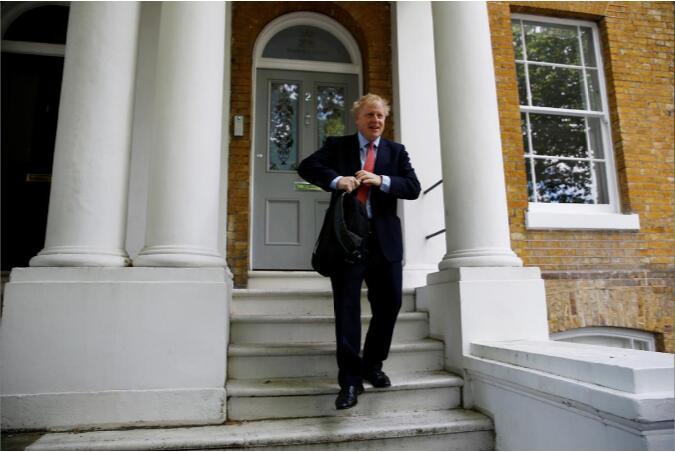 大热候选人约翰逊表示不惧硬脱欧。(图:路透社)