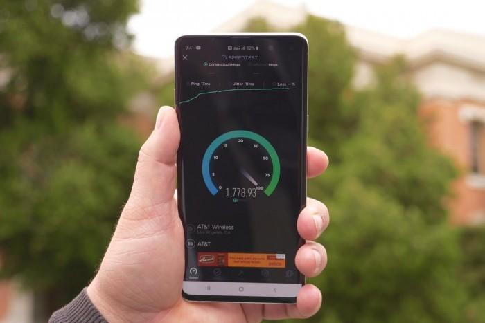 AT&T 5G测试?#25925;?#26368;疯狂的网络速度