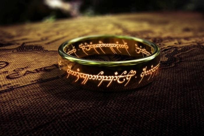 《侏罗纪世界2》导演将执导剧版《指环王》