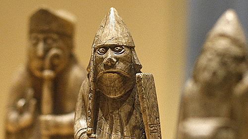 新发现的刘易斯岛象棋棋子近200年来一直缺失。(路透社)