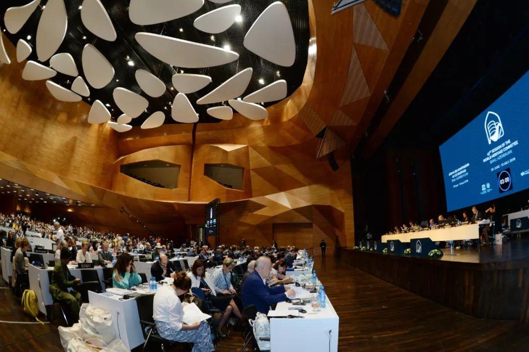 这是7月5日在阿塞拜疆巴库拍摄的世界遗产大会现场。新华社发