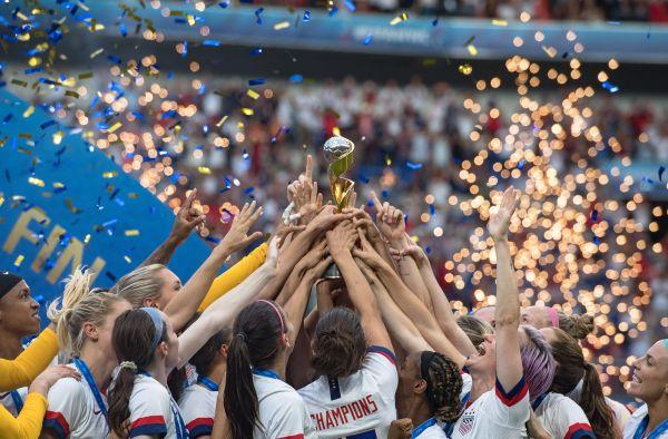 美国女足成功卫冕2019法国女足世界杯冠军。新华社记者肖艺九摄