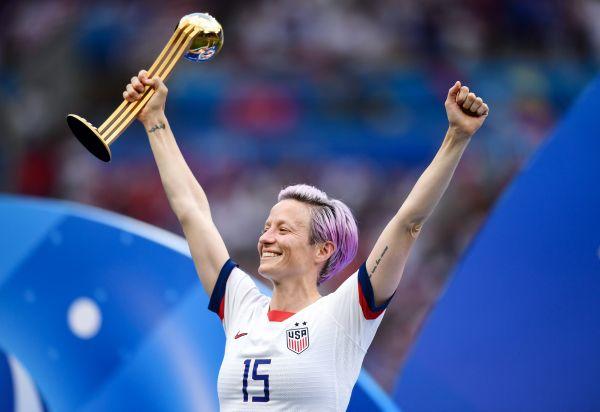 美国女足队长拉皮诺在为追求平等积极奔走。新华社记者毛思倩摄