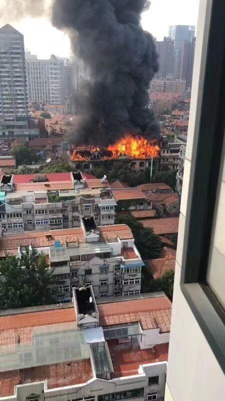 武漢江漢飯店失火 電焊切割鐵架火星引起