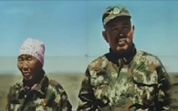 △尼玛(左)她的儿子:哈达布和(右)