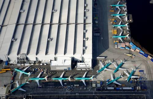 这是在美国华盛顿州波音公司工厂航拍的波音737MAX型客机的资料照片。新华社/路透