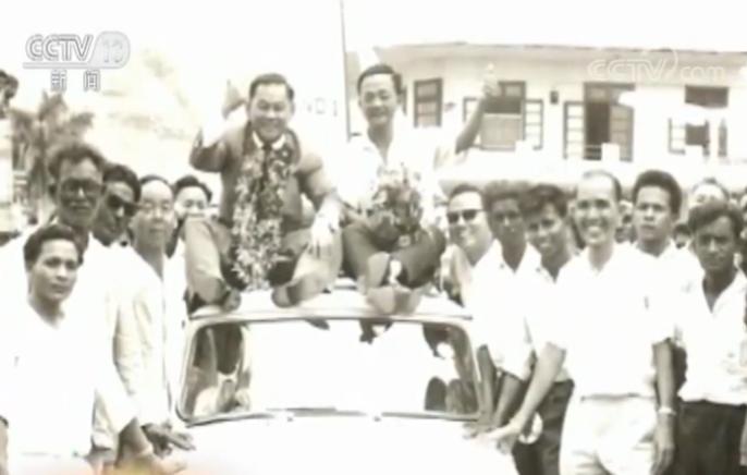 △朱梅麟(上左)成为第一位毛里求斯华人立法委员