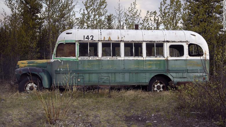 """""""142号公交车""""。图源:CNN"""