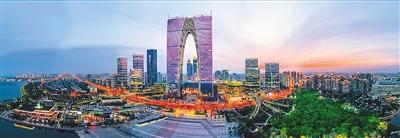 夜幕中的现金网投APP苏州工业园区国际金融中心和东方之门。  阙明芬摄(人民视觉)